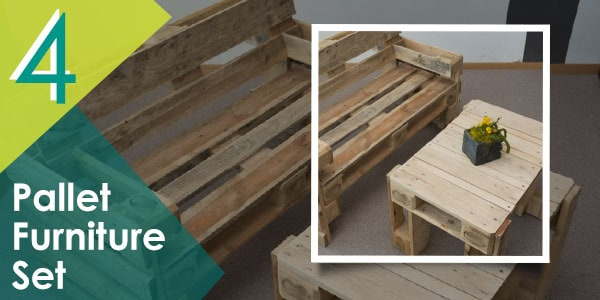 Another patio furniture set made from pallets!