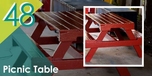 This pallet project is perfect if you love hosting BBQ parties!