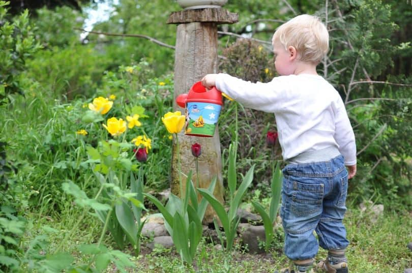 kids-outdoor-party-ideas-7-gardening-party