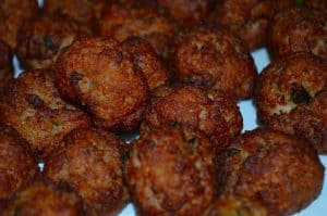snack-ideas-barbecue-party-11-chicken-meatballs