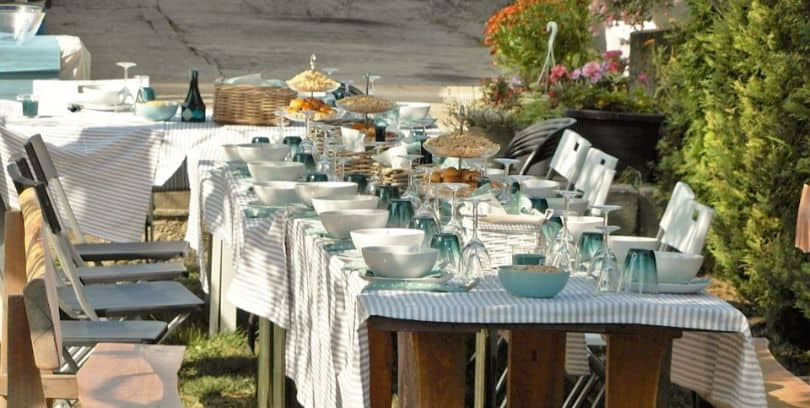 ultimate-guide-throwing-garden-party-1-theme
