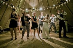 ultimate-guide-throwing-garden-party-8-event-host