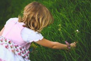 best-garden-activities-for-kids-1-weeding