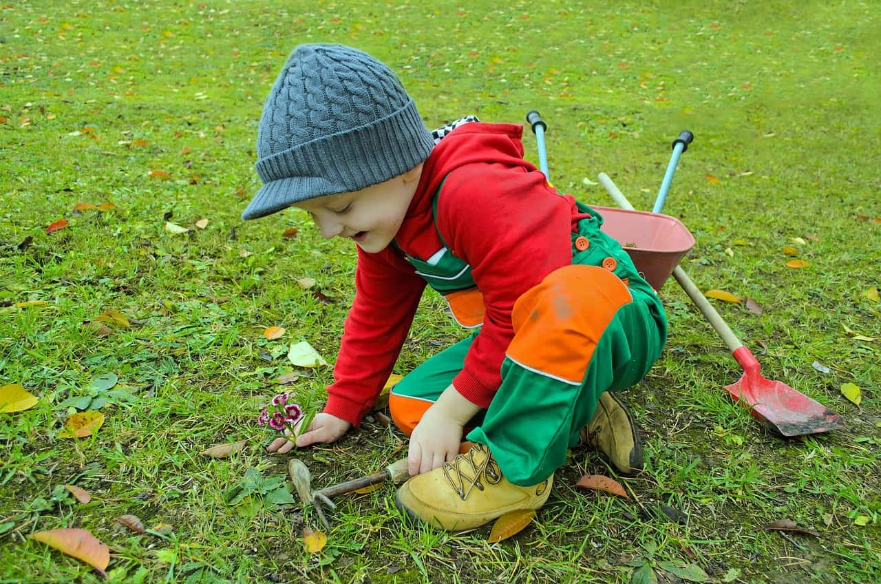 best-garden-activities-for-kids-5-raking