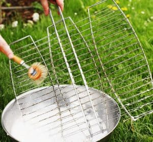grilling-perfect-bbq-tips-10-clean-your-bbq-and-cooking-utensils