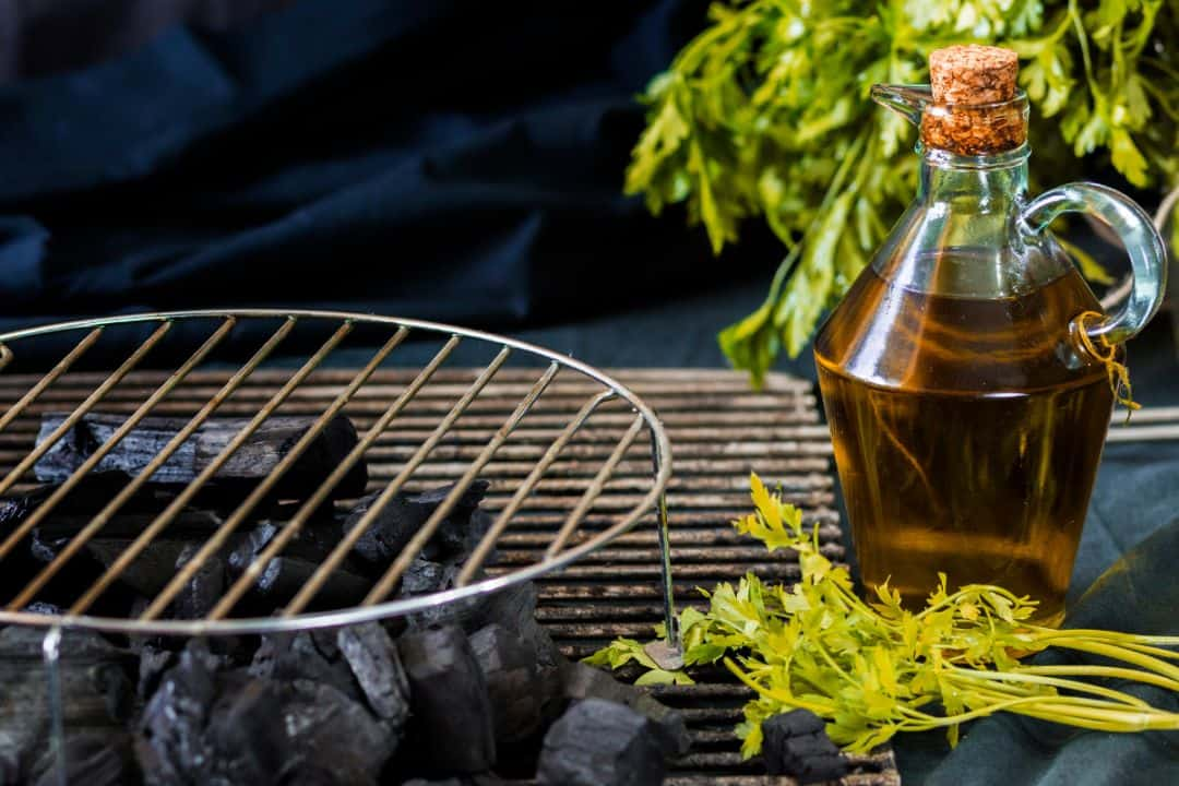 grilling-perfect-bbq-tips-3-oil-the-grill