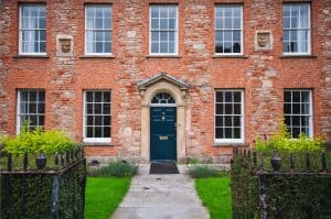 kerb-appeal-house-front-7-greenery