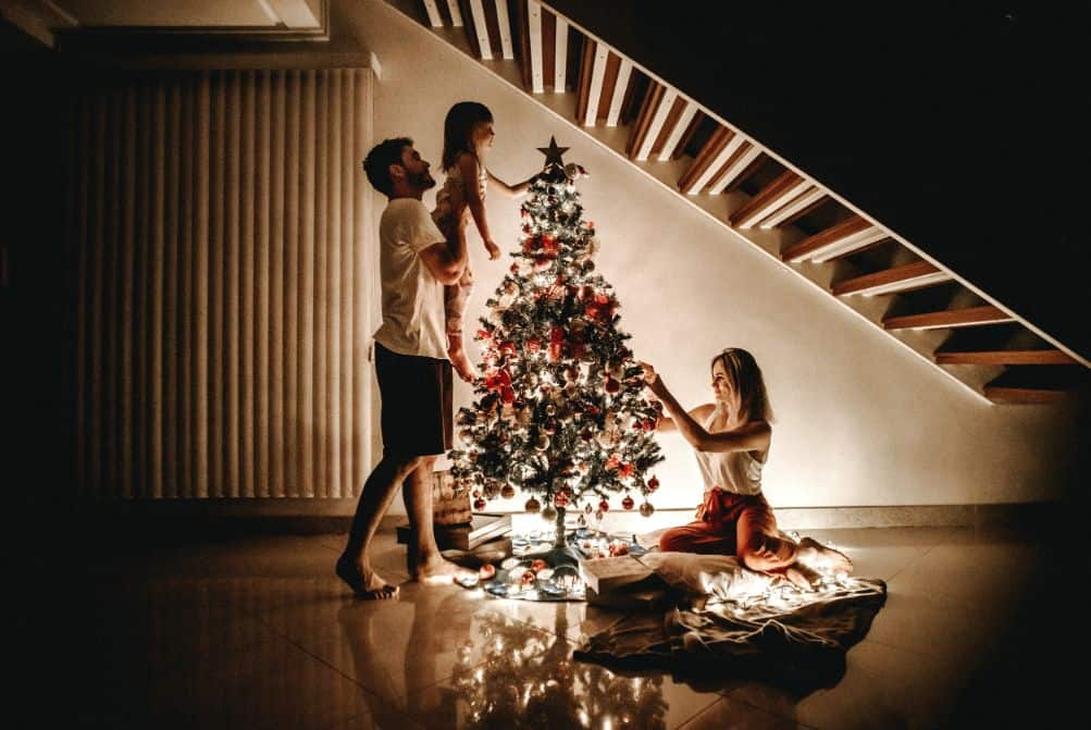 tips-buying-a-Christmas-tree-8-secure-the-tree-in-its-stand
