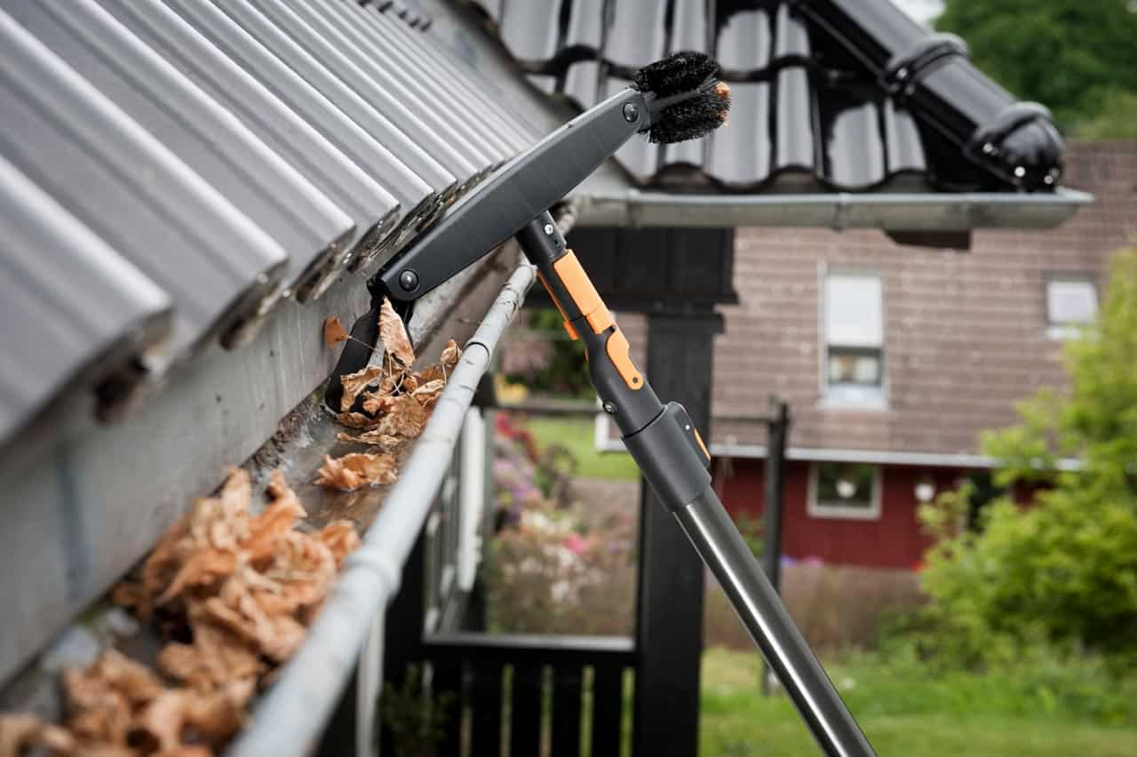 winter-proof-your-home-4-clear-the-gutters