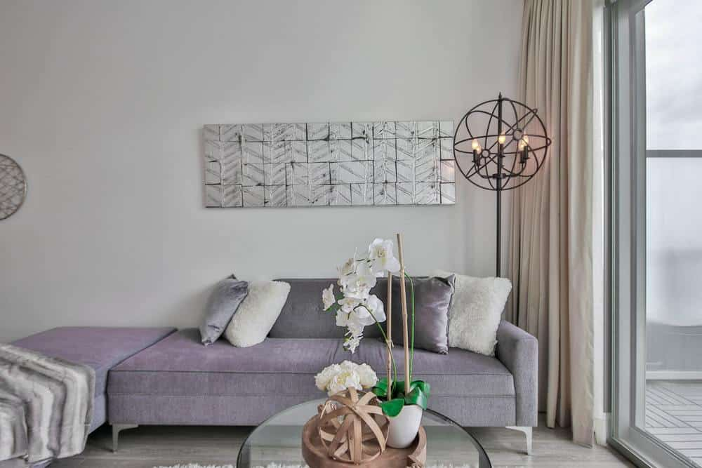 Living room in neutral grey and whites