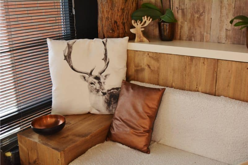 log-cabin-decor-ideas-2-rustic-design-consider-natural-materials-pexels