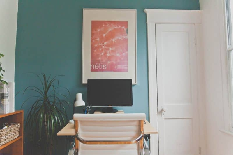tips-for-decorating-your-home-office-3-hand-some-artworks
