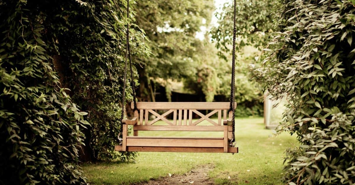 10-diy-outdoor-furniture-featured-image-pexels