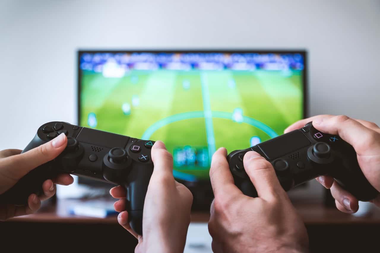 game-room-must-haves-1-video-game-set-pexels