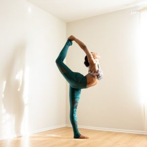 how-to-turn-your-log-cabin-into-a-yoga-studio-3-set-the-mood-with-lighting-unsplash
