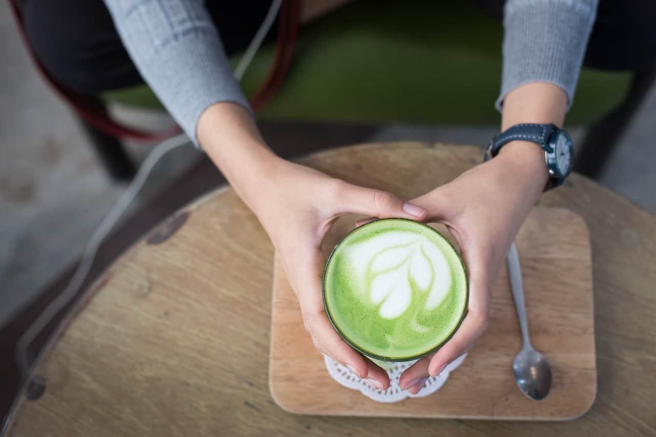 brain-boosting-foods-5-green-tea-pixabay