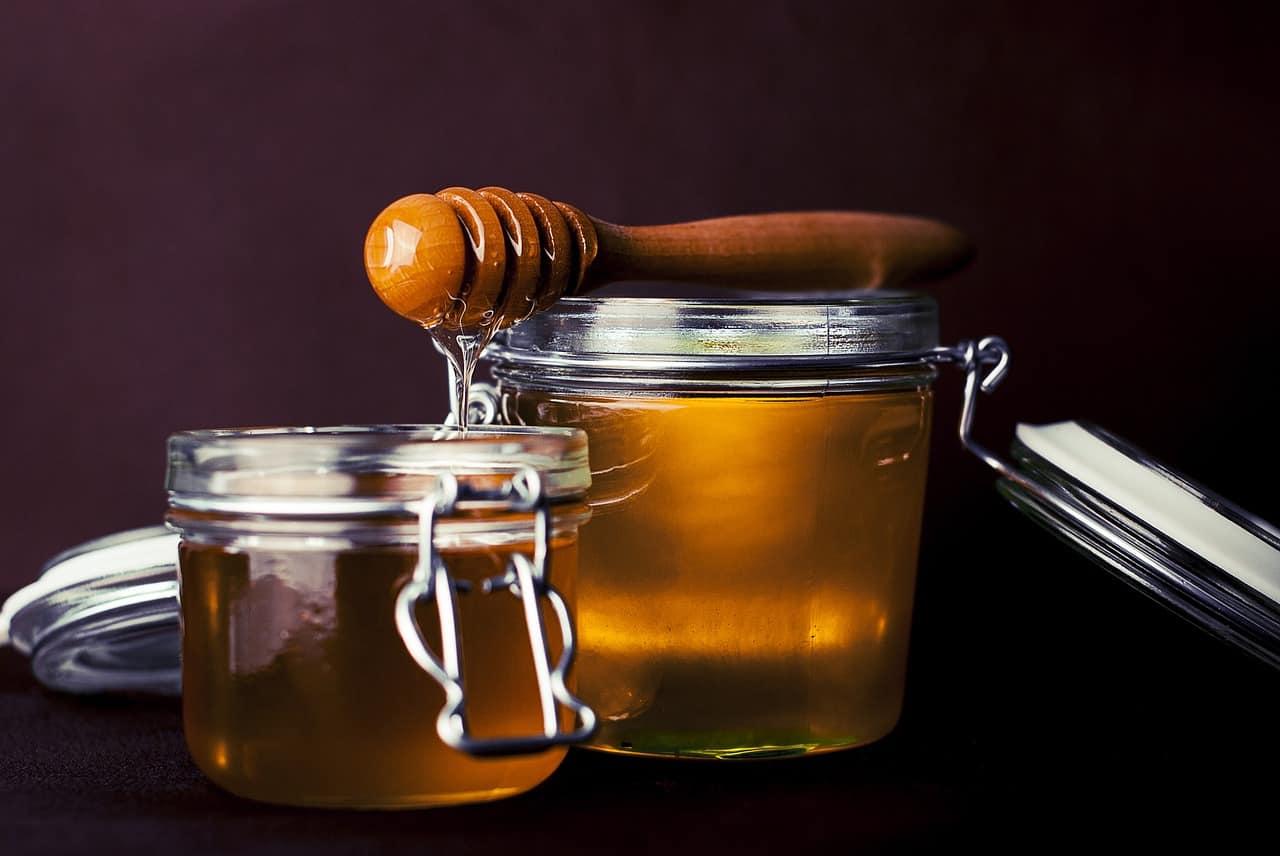natural-cough-remedy-1-honey-pixabay