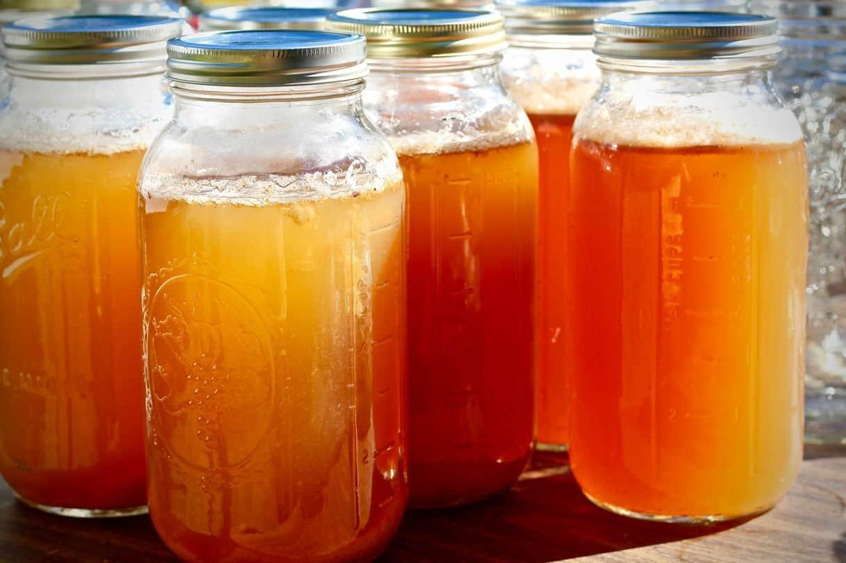 natural-cough-remedy-2-apple-cider-vinegar-pixabay