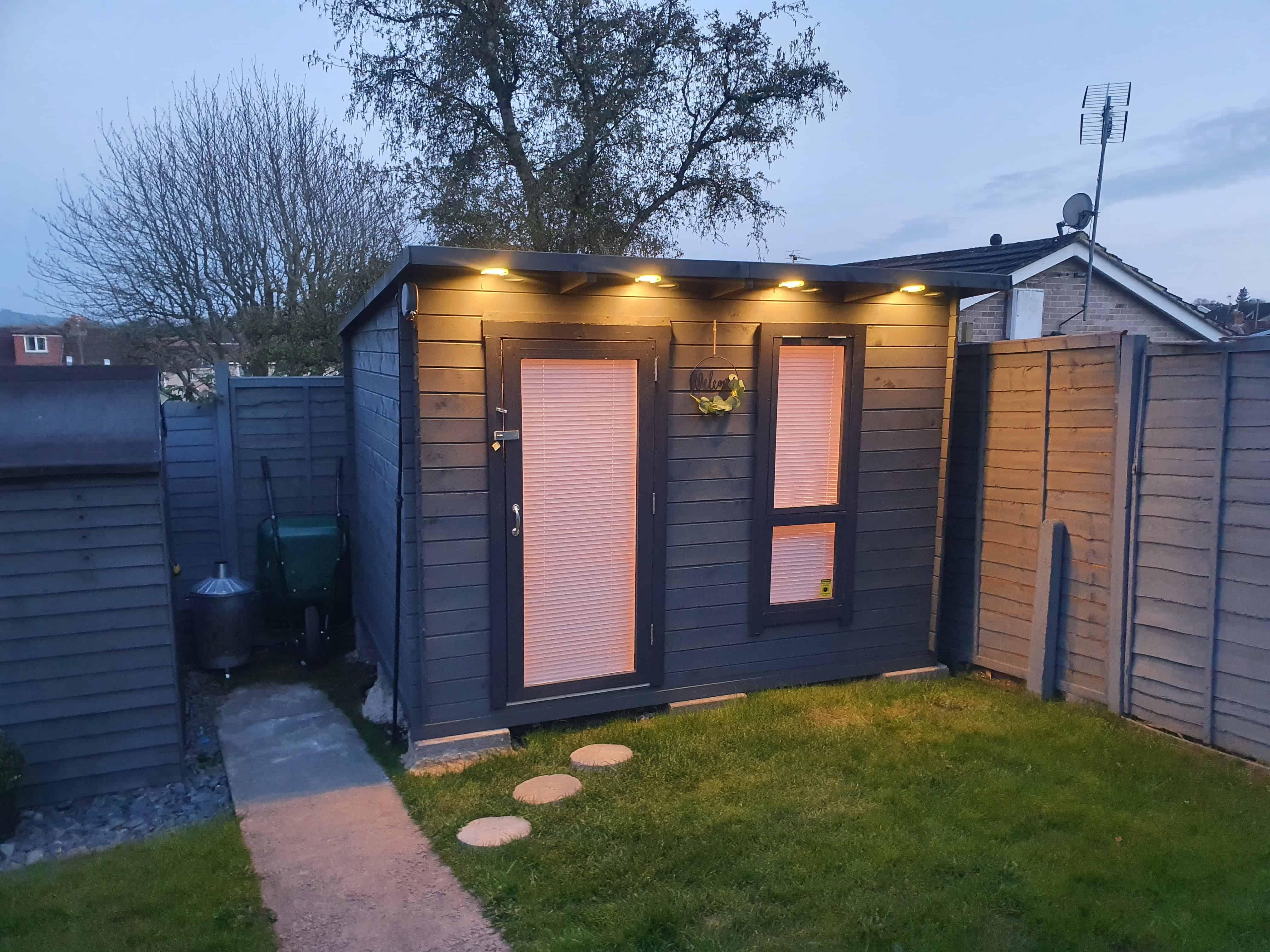 Matthew Luxton's BillyOh Mia Log Cabin Salon exterior