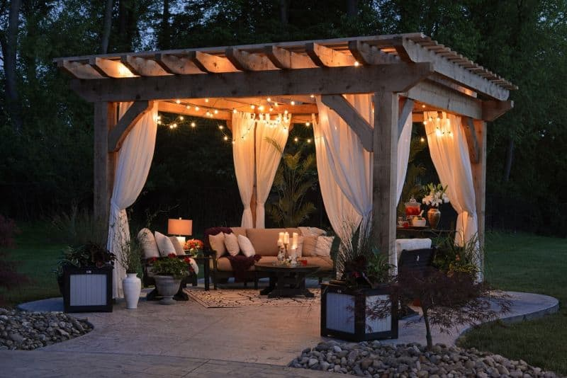 A perfect set-up for a romantic and cosy garden staycation
