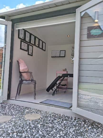 Hayley's BillyOh Devon log cabin interior3