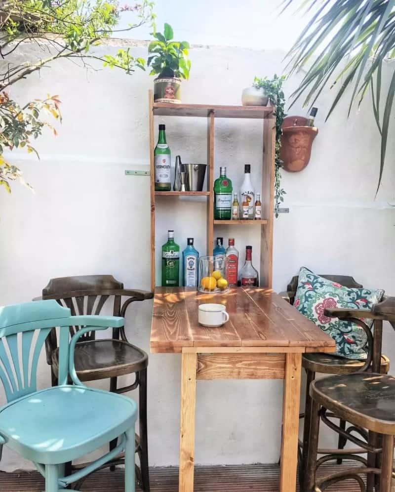 Space-saving fold out pub