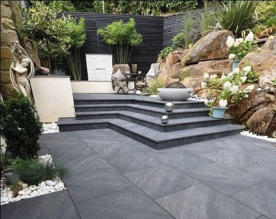A luxurious porcelain garden pavement in black