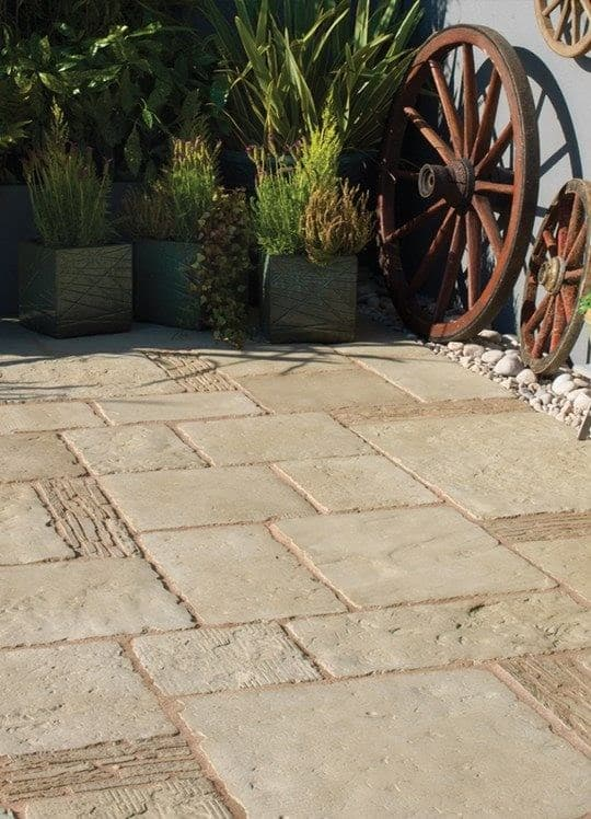 Traditional-looking brownstone paving