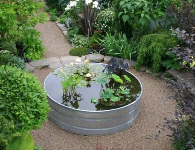 DIY pond made from tub and solar pump