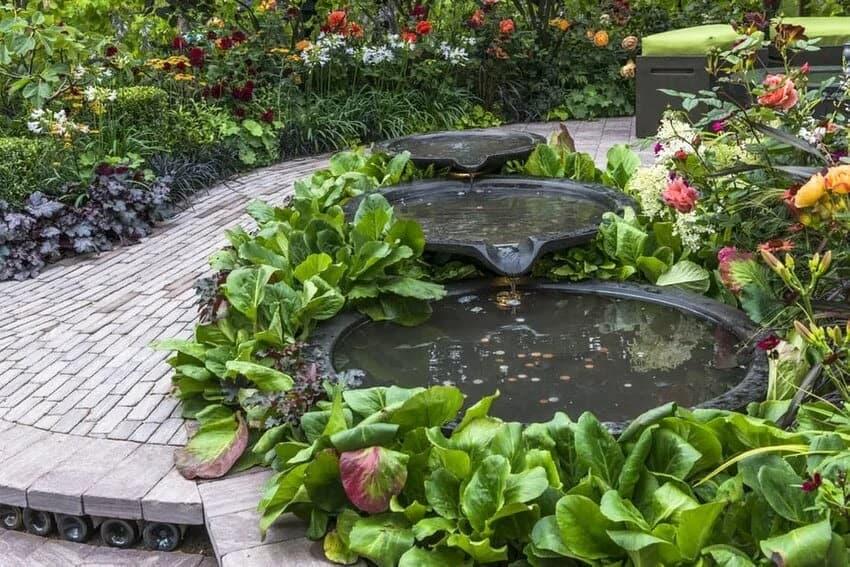 A wishing well fountain