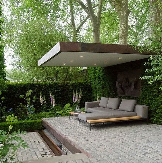 Open-air and open-space style outdoor living space