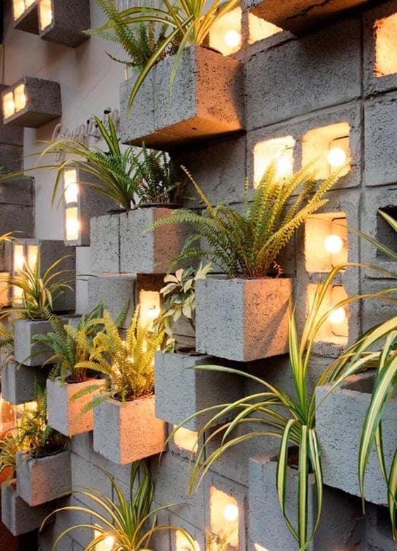 Concrete wall planter block