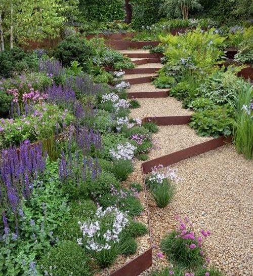 Irregular-shaped gravel steps