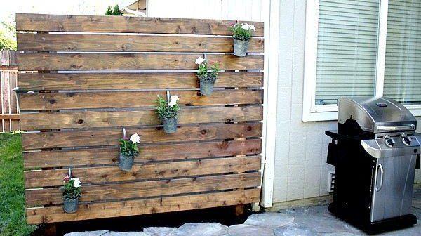 garden slat wall