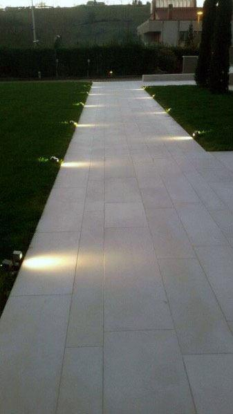 minimalist floor with lighting