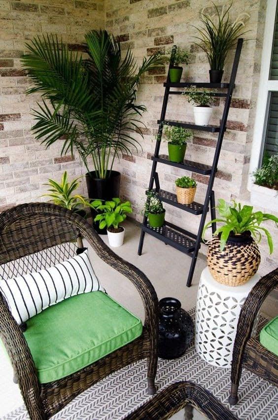 Minimalist balcony decor