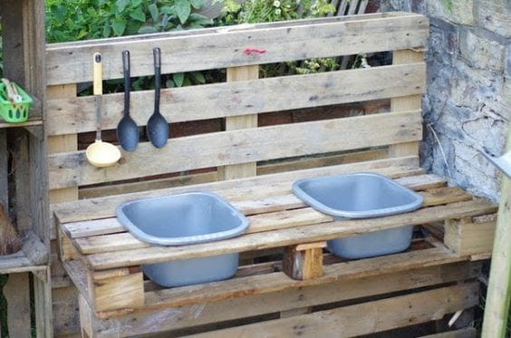 DIY mud kitchen made from old pallets