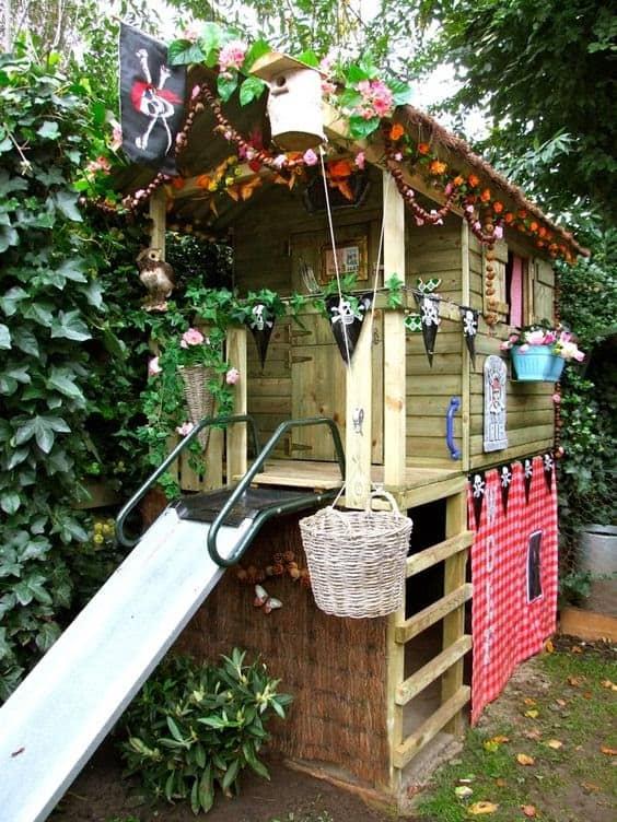 A treehouse transformed into mini pirate ship