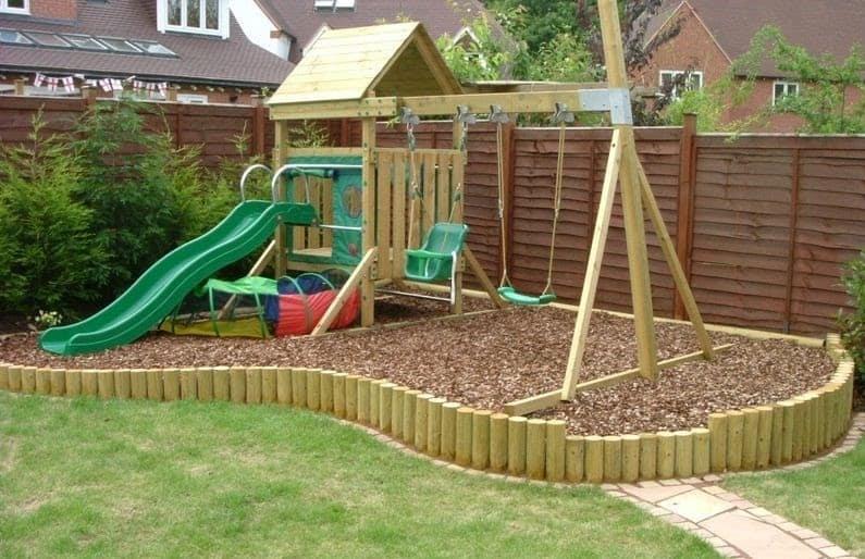Corner garden playground