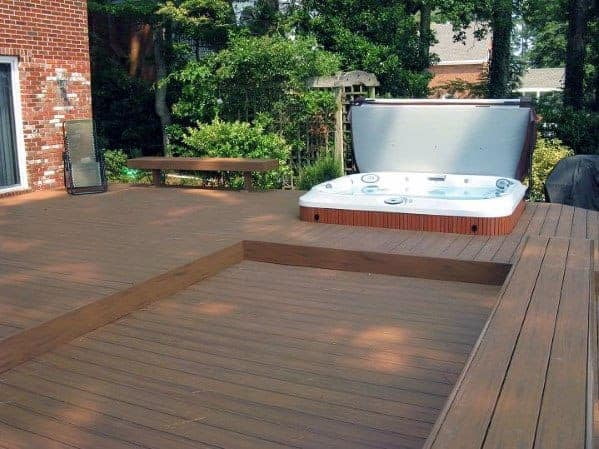 A minimalist approach outdoor hot tub with wooden decking