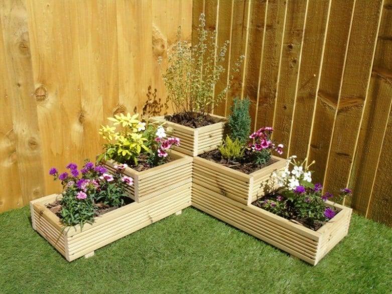 3-tiered corner planter