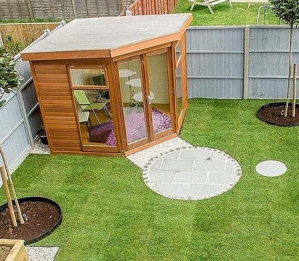 Corner garden studio