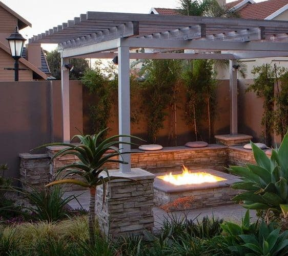 Amazing fire pit with pergola