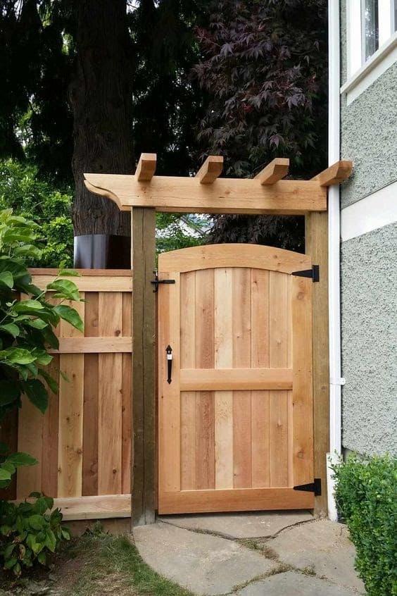 Cedar fence with gate