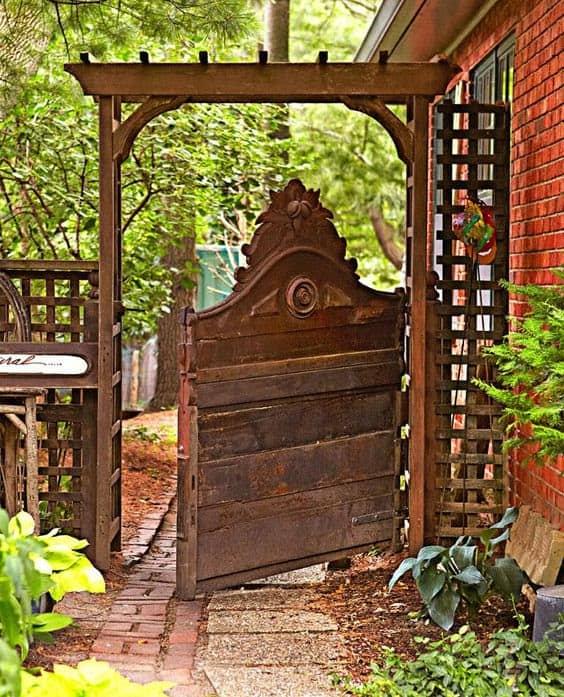Artistic oriental gate ideal for zen gardens