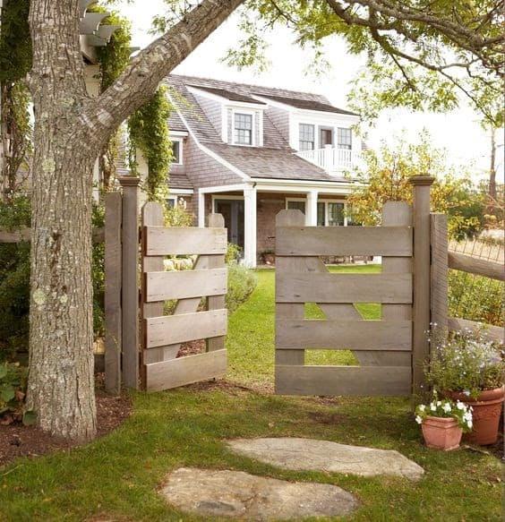 Modern barn-like gate