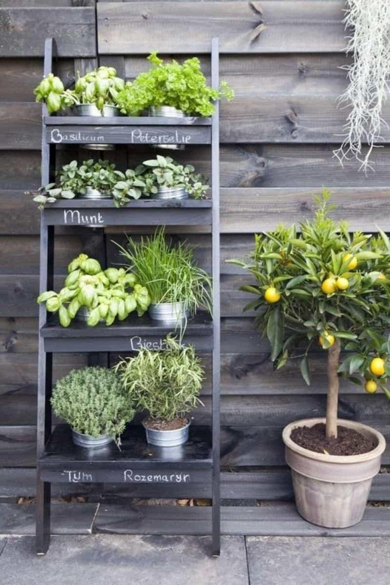 Stacked vegetable garden