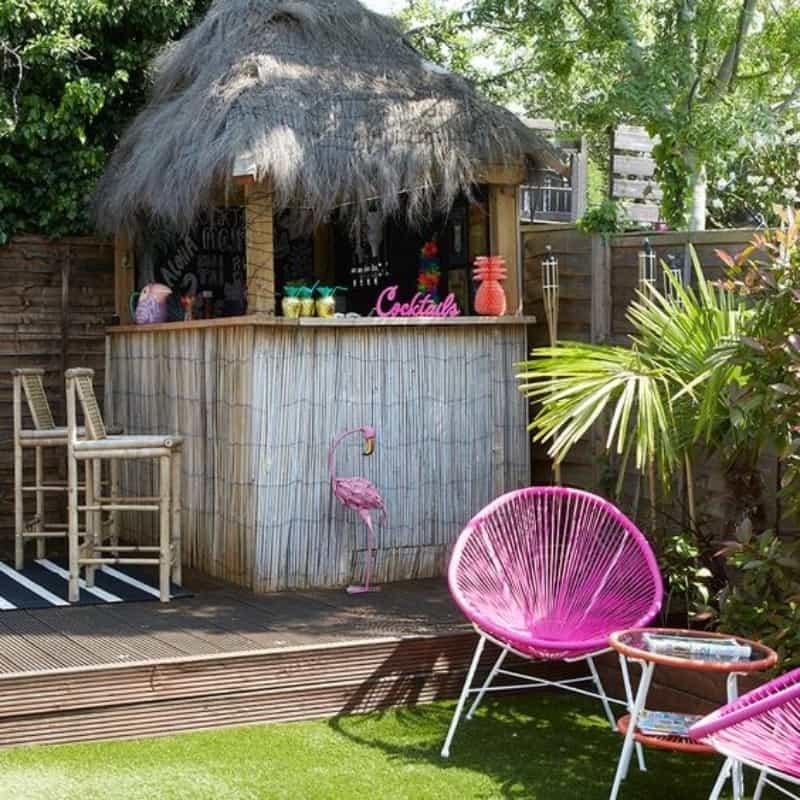 Hawaiian-themed garden bar