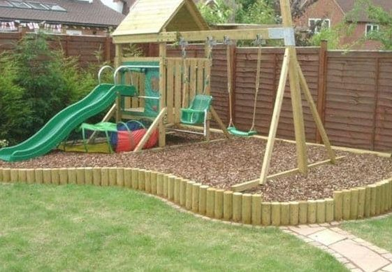 Corner play garden area