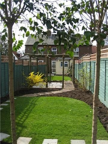 Narrow garden with stepping stones